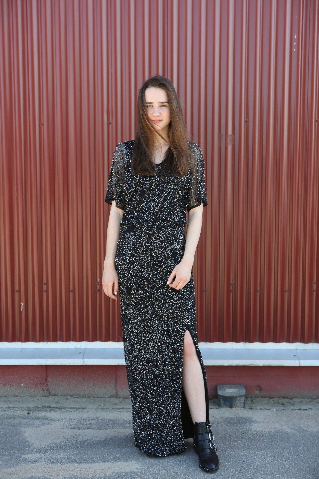 Suknelė su žvyneliais – 2 eurai