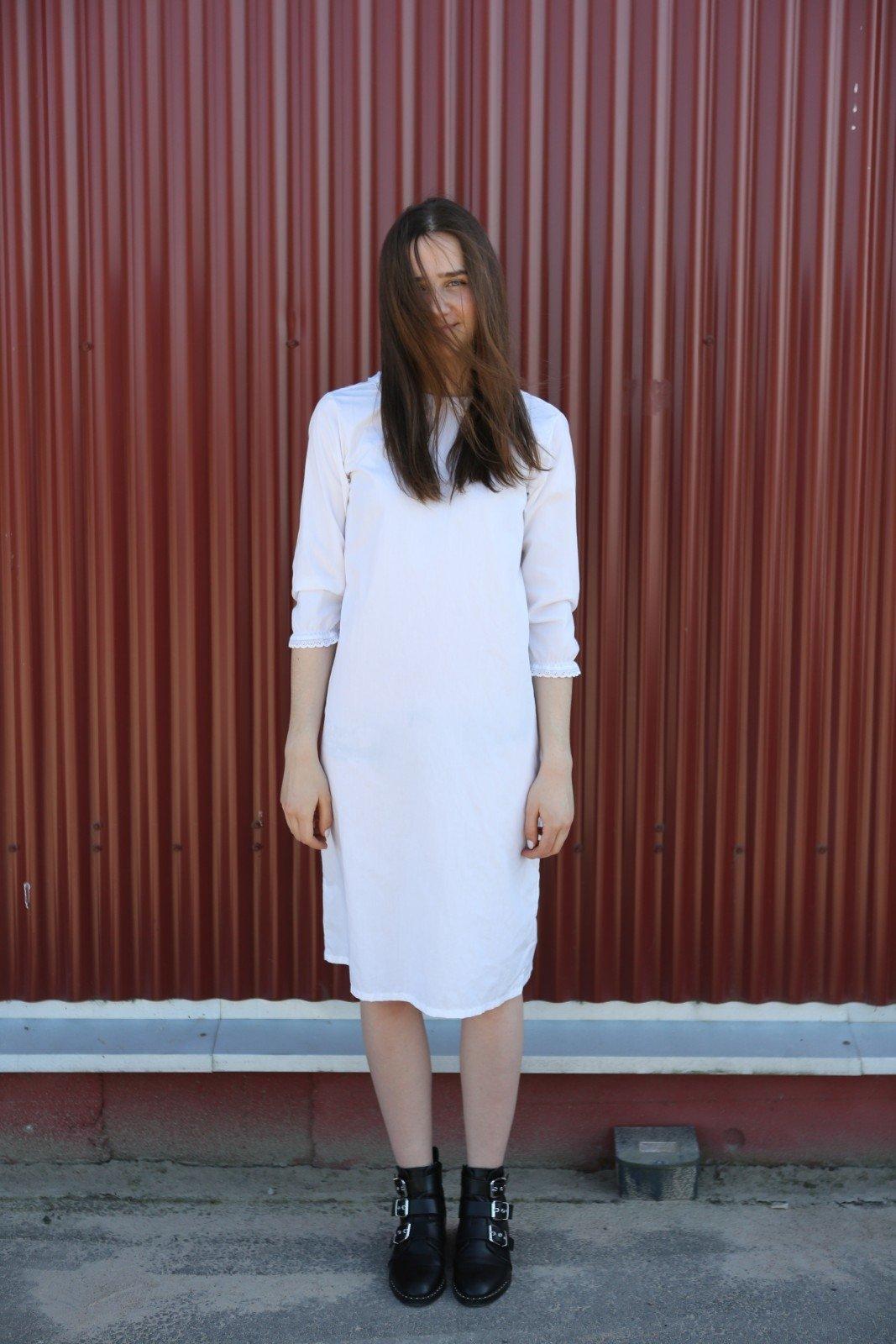 Balta suknelė – 1,20 euro