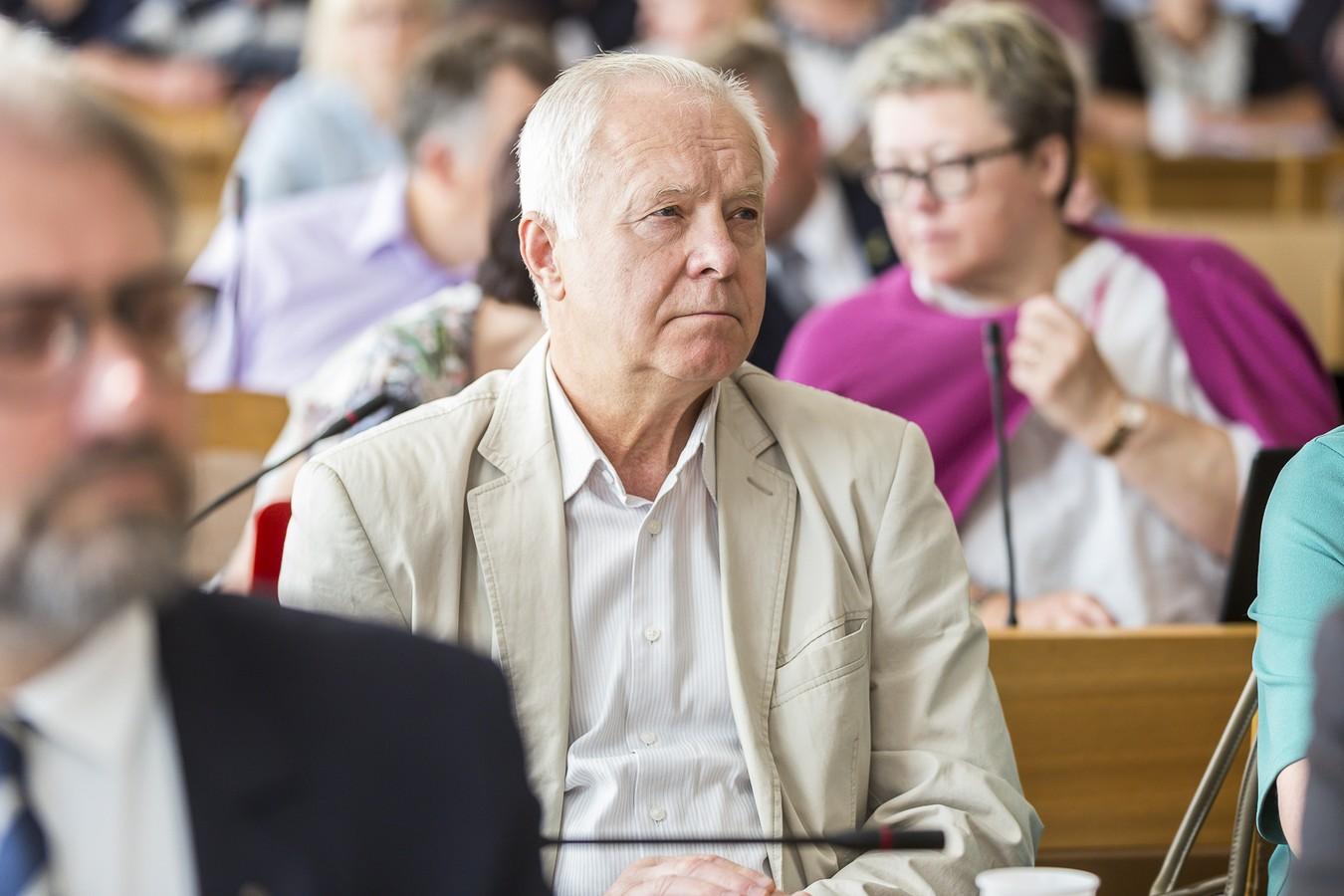 R. Sankauskas.